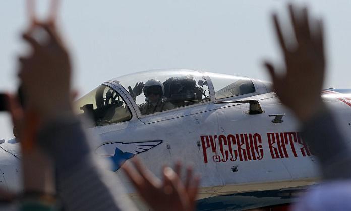 «Русские витязи» впервые показали управляемый штопор