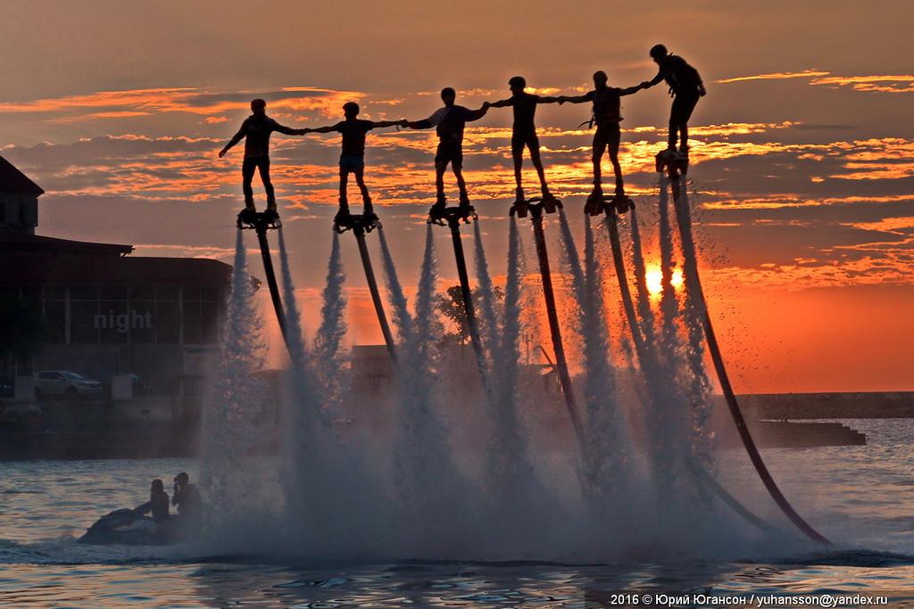 Летающие люди над Севастопол…