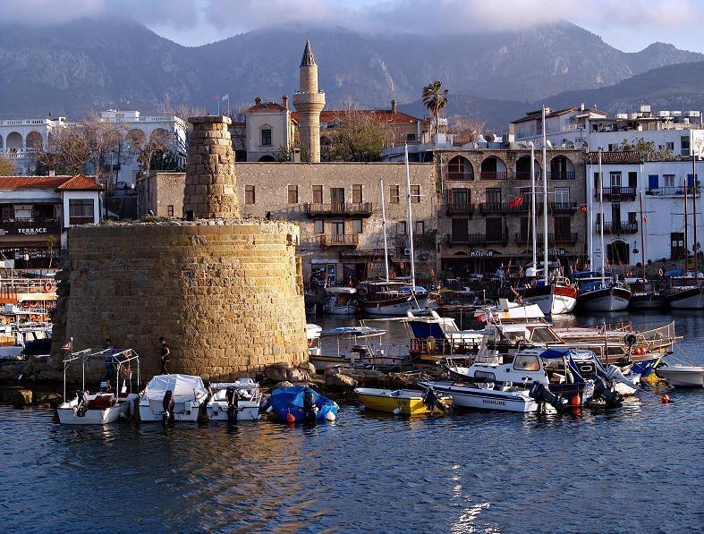 Названы самые недорогие для туристов европейские города
