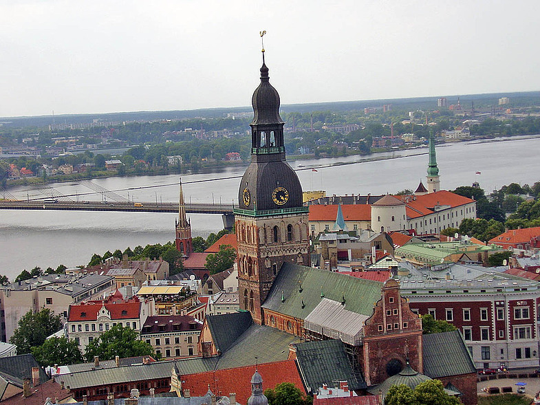 Русский дух на улицах Риги и Вильнюса
