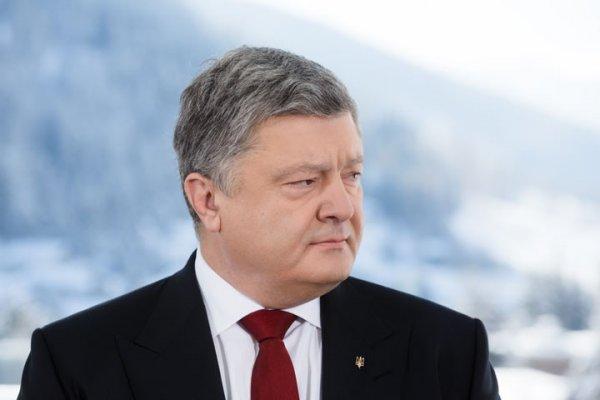 Янукович публично затролил Порошенко
