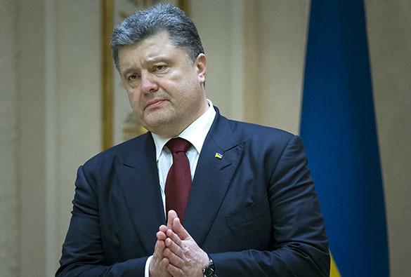 СМИ раскрыли тайну постыдных костюмов Порошенко. 374580.jpeg