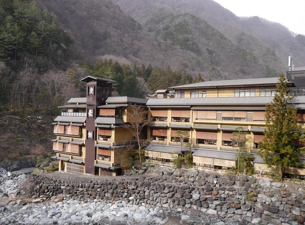 Этой японской гостинице 1311 лет, и все это время она принимала гостей