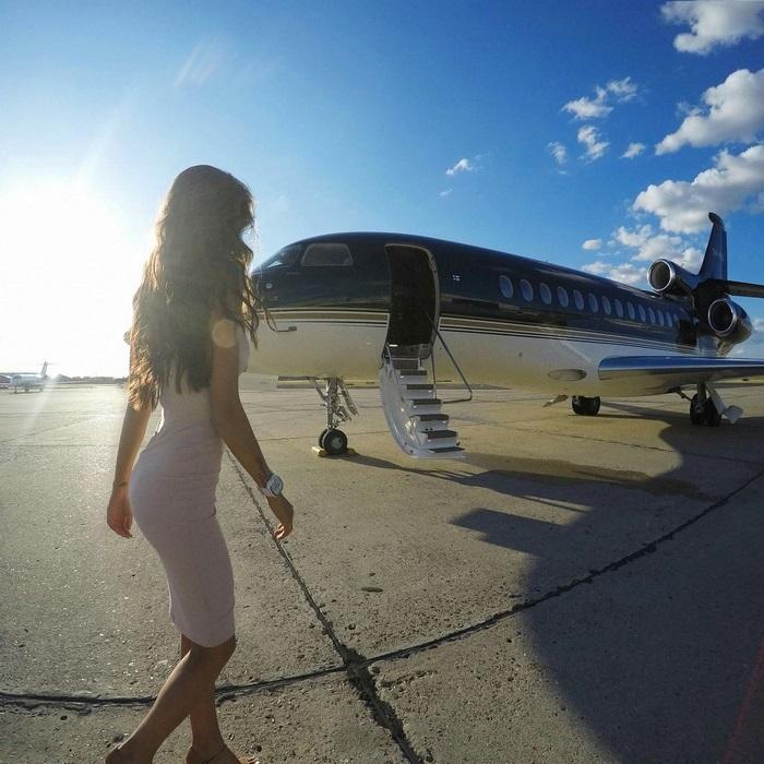 Как заставить всех думать,  будто вы сказочно богаты: частный самолёт в аренду для фотоссесий