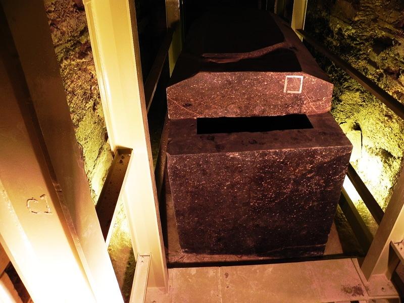 Саркофаги Серапеума - давно известные, но непонятные