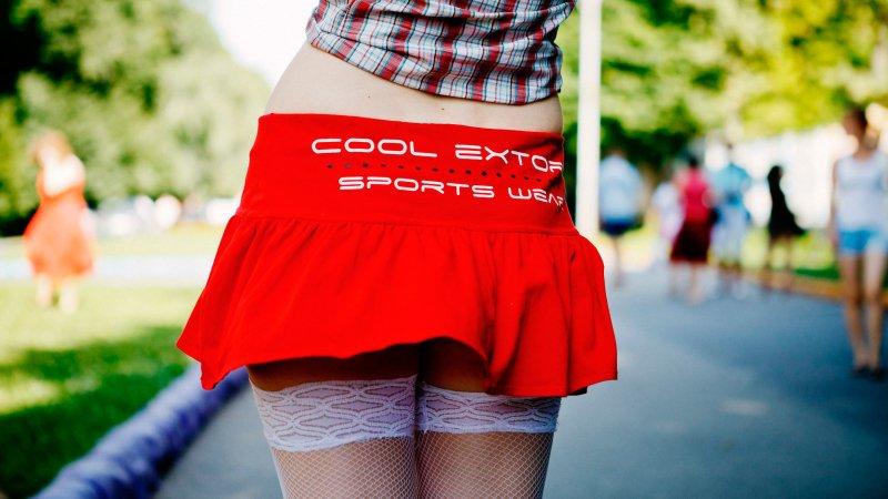 Ученые: Чем короче юбка, тем умнее женщина