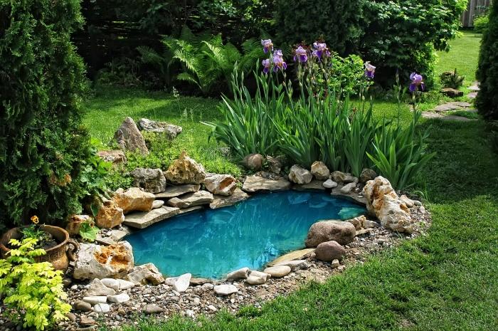 Декоративный пруд создающий по-настоящему магическую атмосферу.