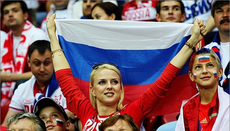 Российские футбольные фанаты ответили песней на фильм ВВС