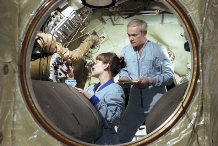 Светлана Савицкая на борту космического корабля | Фото: 24smi.org