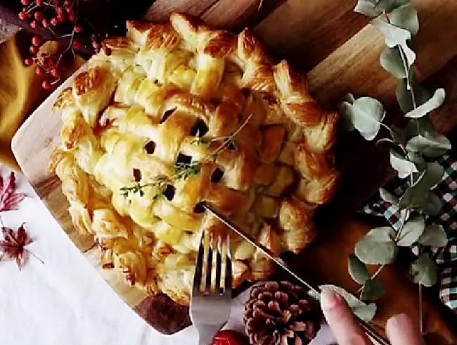 Играем со вкусом и формой - оригинальная идея слоеного пирога