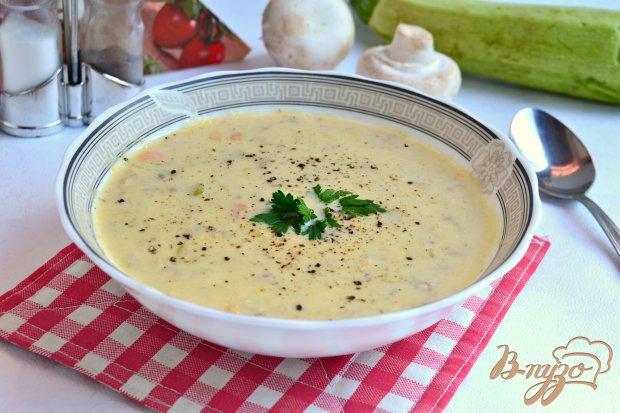Суп-пюре с кабачками, шампиньонами и плавленым сыром