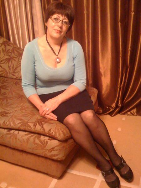 Состоятельная женщина ищет молодого парня в москве фото 695-368