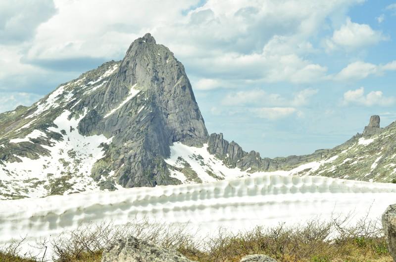 Гора Птица Ергаки, горы, лето, природа, снег, снег летом