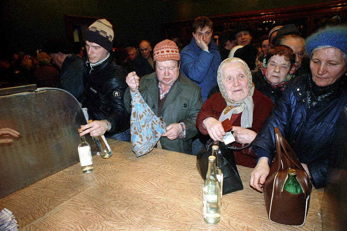 Почему в СССР люди были обречены на нищету.