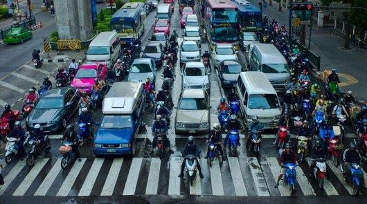 Могут ли оштрафовать за остановку автомобиля на пешеходном переходе в пробке