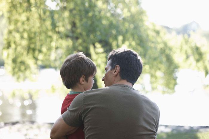 Агрессивный ребенок: как отучить обзываться и научить договариваться?
