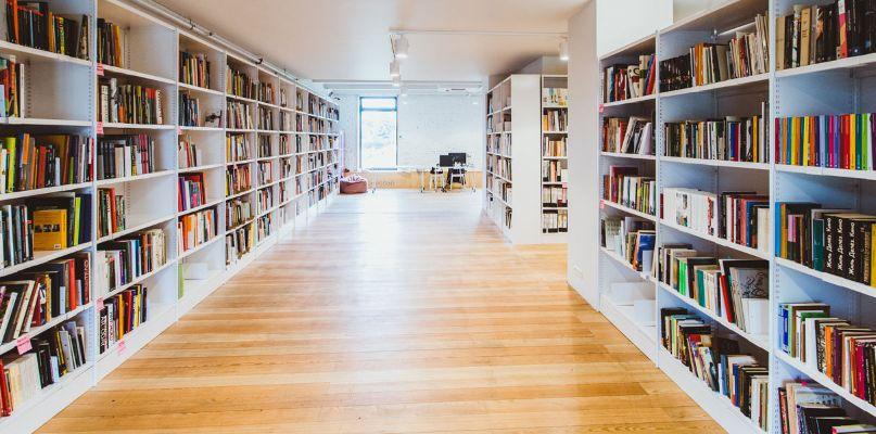 Почему лучше читать книги на бумаге