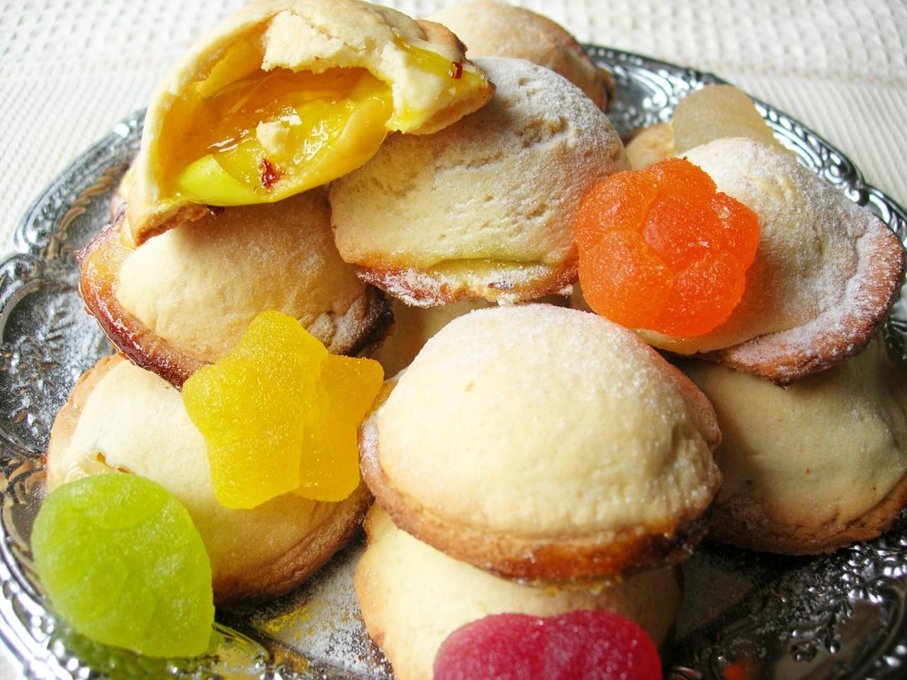 Лепешки с яблоками и мармеладом