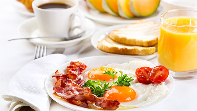 Ученые выяснили, почему вредно пропускать завтраки