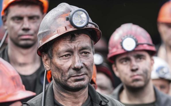 Украина превратилась в Россию 90-ых, шахтеры вышли на голодные забастовки