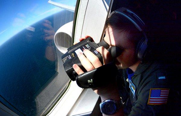 Опасное сближение: Чем рискуют пилоты над нейтральными водами
