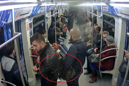 В столичном метро мужчину задержали за инсценировку кражи iPhone