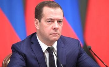 Депутаты потребуют расследования фактов из фильма про тайное богатство Медведева