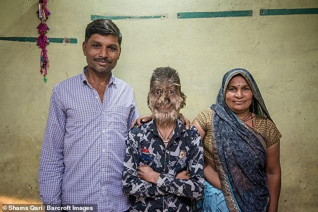13-летнего индийского мальчи…