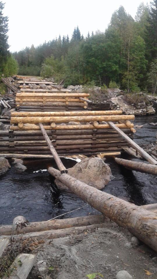 Построенный жителями Карелии мост, чиновники хотят снести