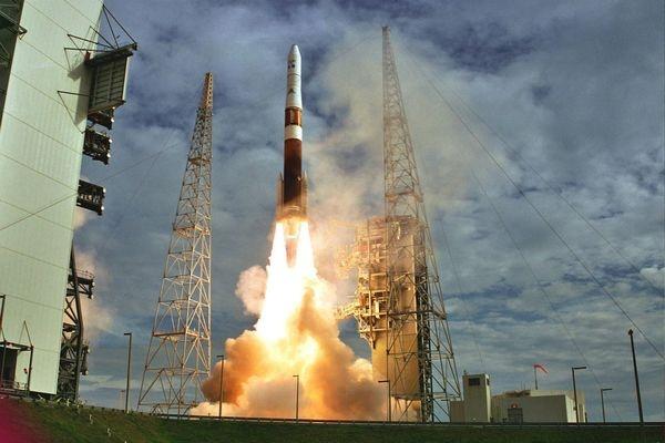 ВСША запустили ракету DeltaIV ссекретным военным спутником
