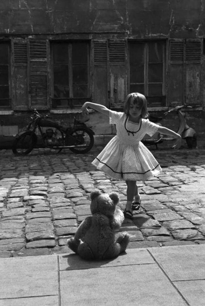 2. Танец для медвежонка, Париж, 1961 год  детство, прошлое, фотография