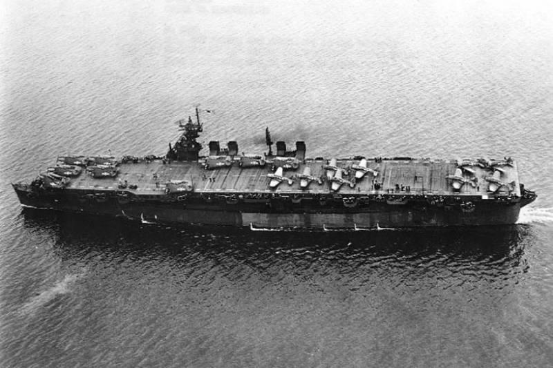 Американский авианосец, перенёсший два атомных взрыва