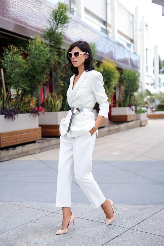 Идеально: великолепный белый костюм