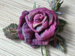 Когда в руках распускаются цветы: создаем розочку из шерсти