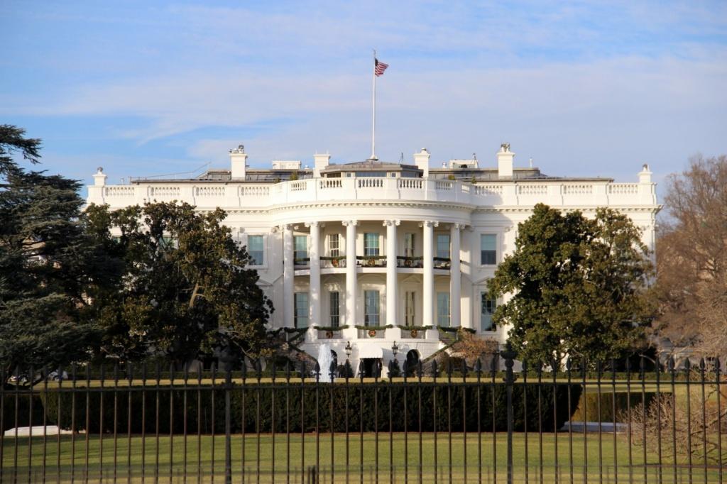 """Разведка США заявила об отсутствии доказательств """"сговора"""" Трампа с Россией"""