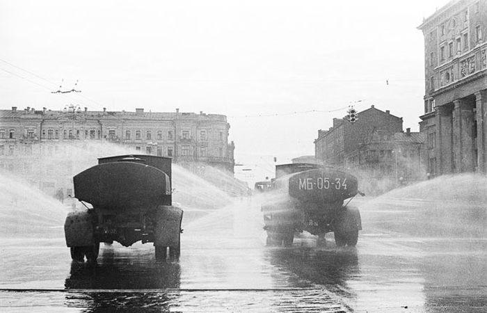 Москва времён СССР. Интересно сравнивать с сегодняшним днём
