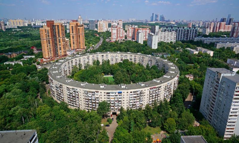 Вплоть до пожизненного: Эксперты назвали сроки, в течение которых можно накопить на жилье в Москве