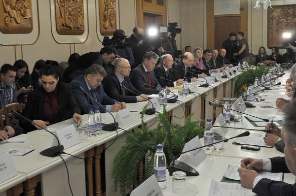 Парламентарии изЕС после визита вКрым призвали снять санкции сРоссии