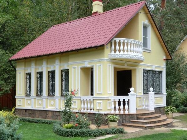 Фасадный декор для загородного дома