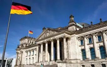 """МИД Германии - """"Мы не намерены выполнять безумные требования сошедших с ума поляков"""""""