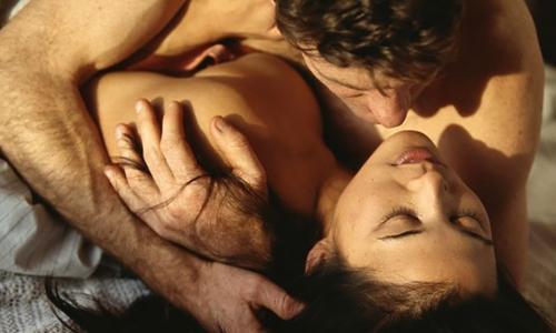 С праздником милые дамы! Ученые: секс влияет на продвижение по карьерной лестнице