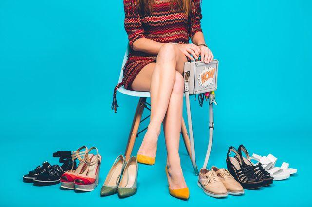 Опасно для позвоночника. Как летняя обувь влияет на здоровье?