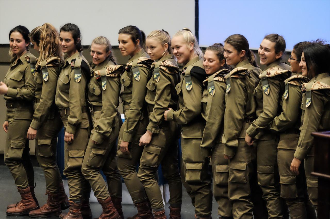 Девушки Армии обороны Израиля сняли видео в поддержку ульяновских курсантов
