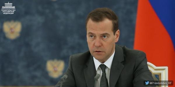 Медведев призвал расстаться с иллюзиями об отмене санкций