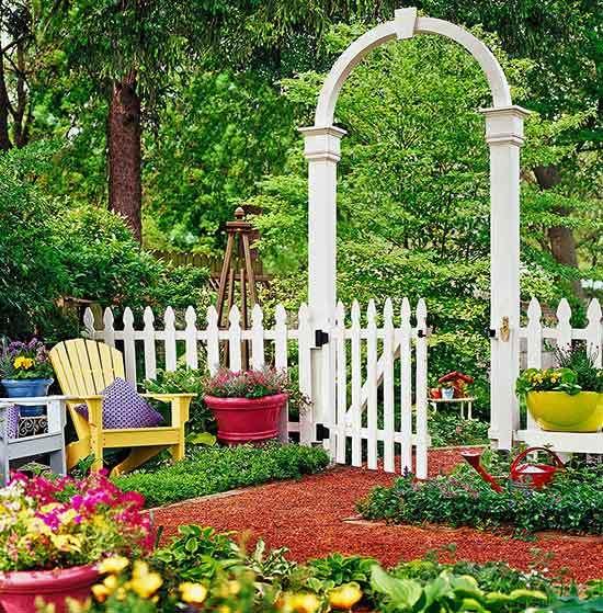 Декоративные заборчики для палисадника и клумбы — 18 фото идей дизайна