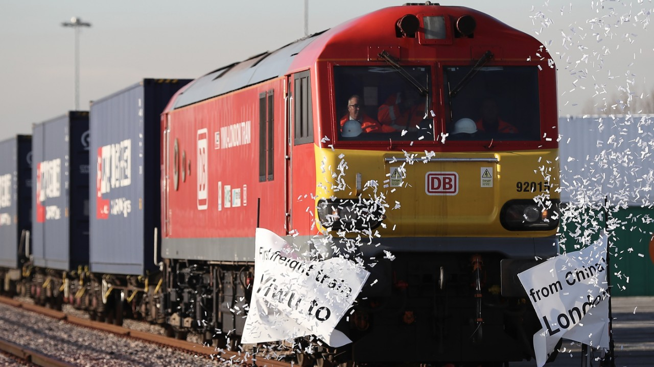 Новый Шелковый путь: в Лондон приехал первый поезд из Китая через Россию