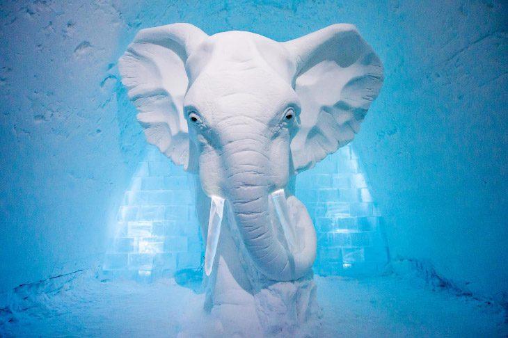 Ледяной отель в Швейцарии