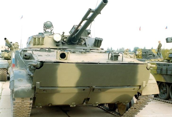 Минобороны РФ приняло у КМЗ партию боевых машин пехоты БМП-3