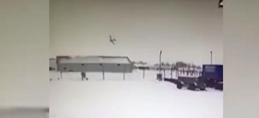Необъяснимое падение самолета в Нарьян-Маре попало на видео