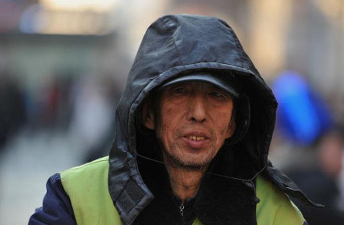 За 30 лет китайский мусорщик…